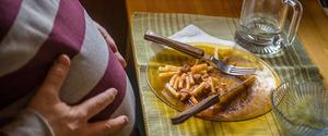 過食の原因とは?無理せず改善するために必要なこと