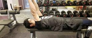 トライセプスエクステンションの効果とやり方!肘痛の対処、フレンチプレスとの違い