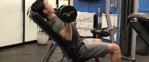 インクラインダンベルプレスのやり方とは?大胸筋上部を鍛える!