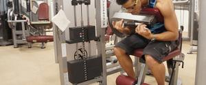 アブドミナルクランチのやり方と効果!腹直筋を強烈に刺激する!