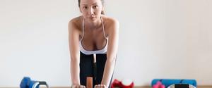 腹筋ローラーは腹筋のどこに効く!?効果と正しい使い方を解説!